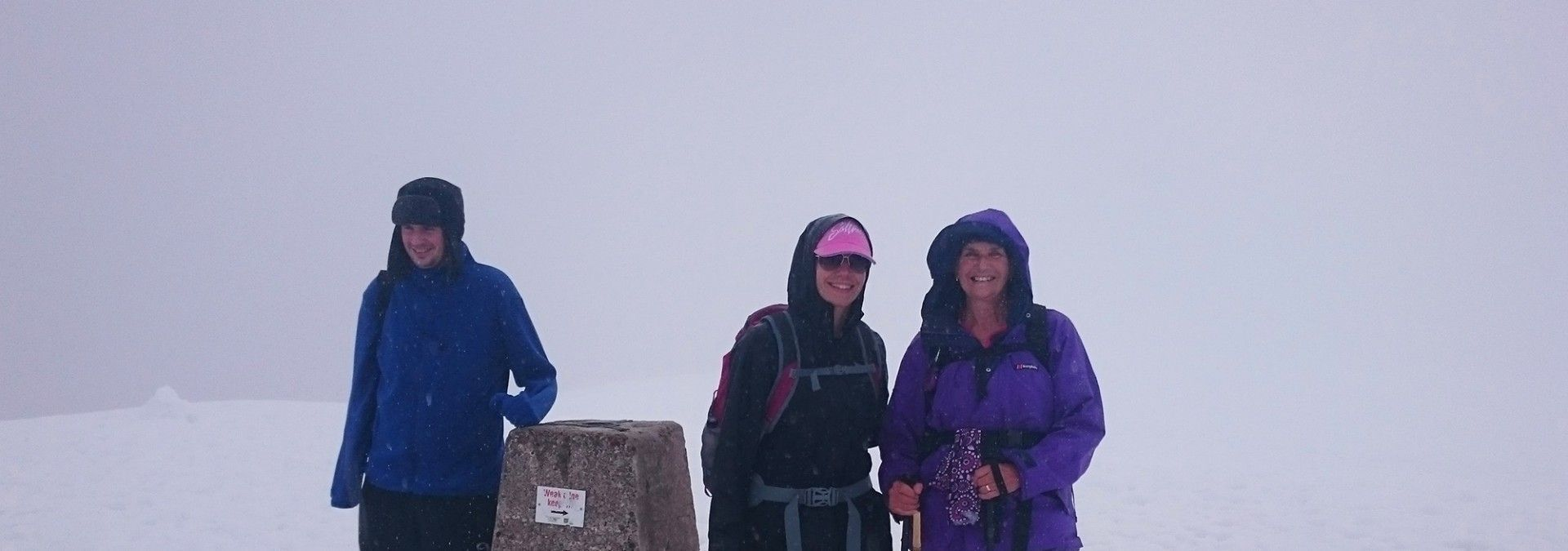 At_summit_of_Ben_Nevis_in_snow.jpg