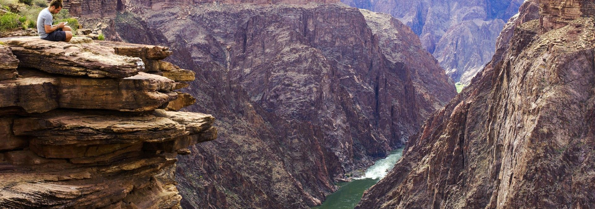 Looking_down_into_Canyon_river_USA.jpg