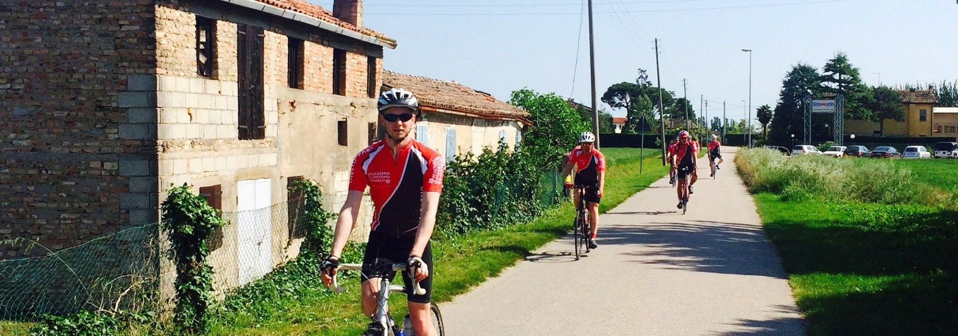 Cycling_country_roads_Italy.jpg