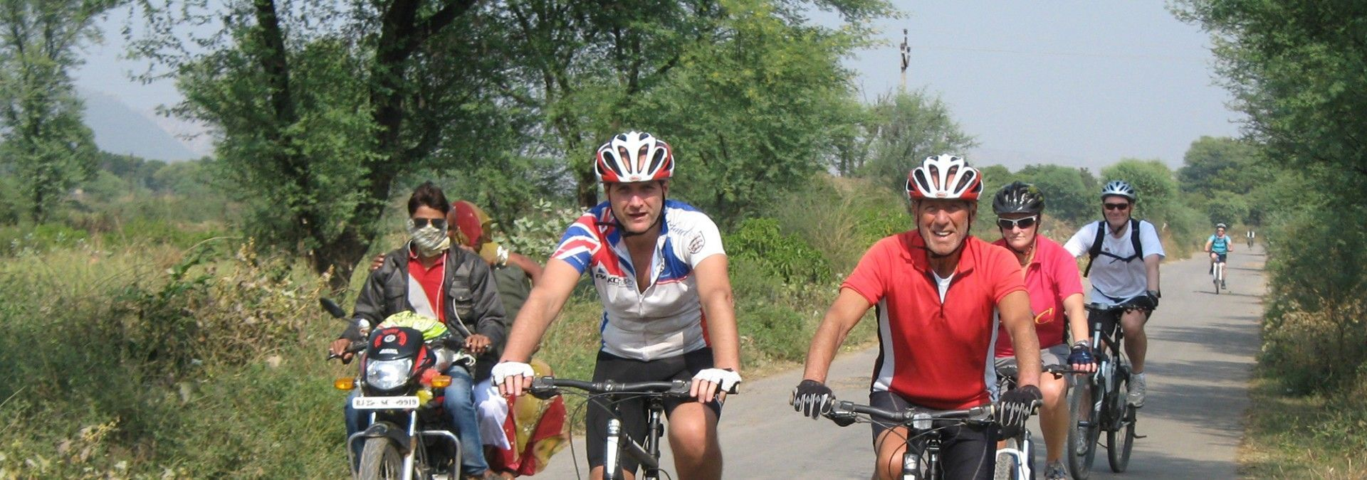 Cyclists_on_Rajasthan_Cycle_Challenge.jpg