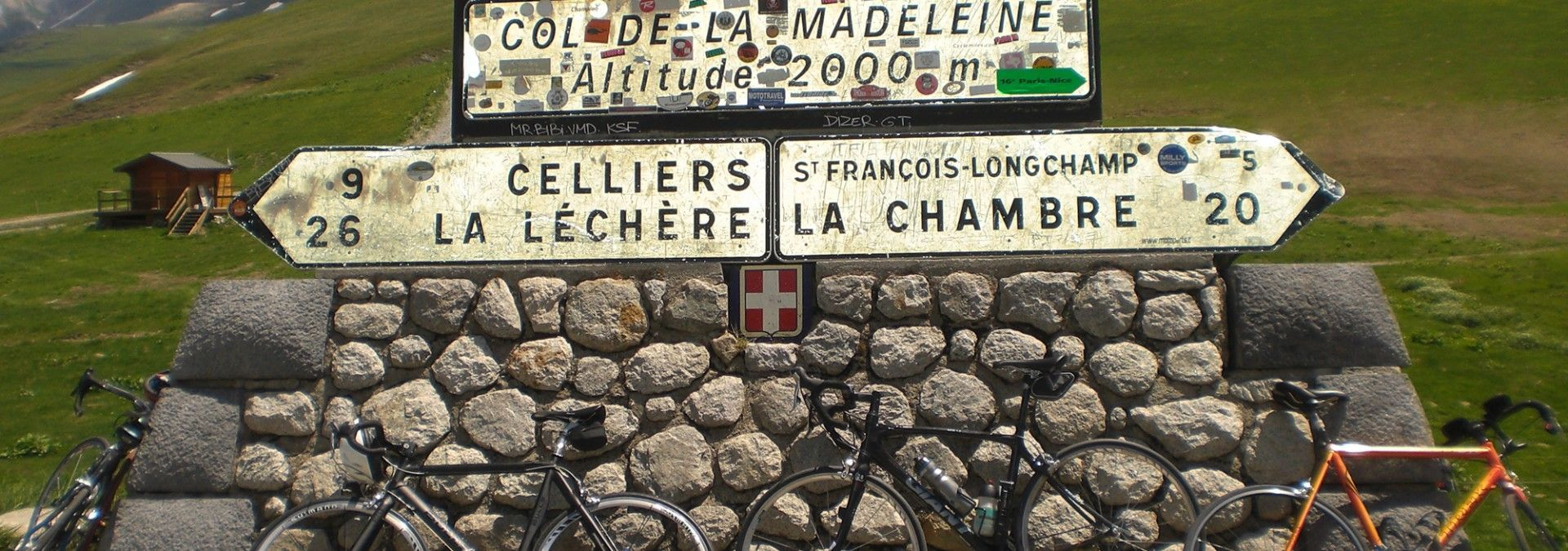 Col_de_La_Madeleine_sign_France.jpg